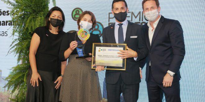 Fapesc recebe prêmio Empresa Cidadã da ADVB/SC 2021